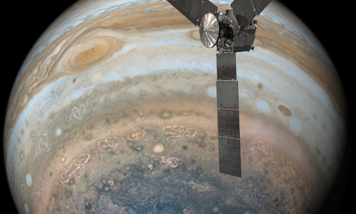 Juno Phones Home: Jupiter Probe Reconnects with Earth After 8th Flyby
