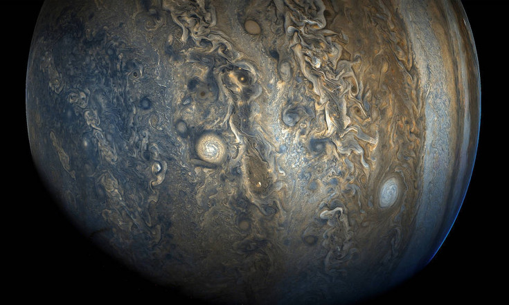 Jupiter`s Colorful Clouds Swirl Like Marbleized Art in Stunning New Image