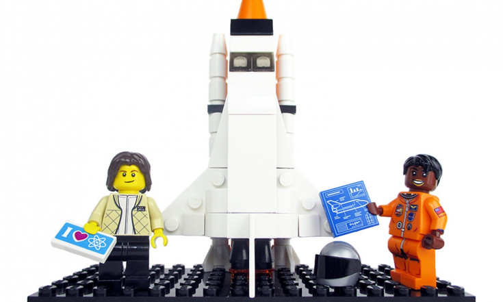 Lego`s Awesome Women of NASA Building Set in Photos