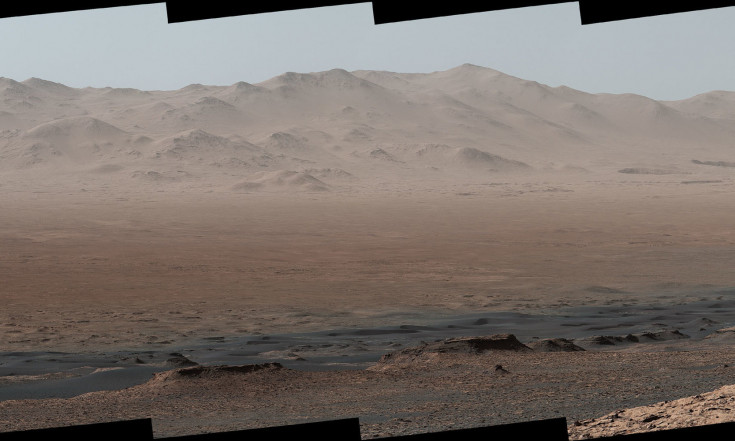 Mars Rover Curiosity Takes a Break to Survey Conquered Terrain (Photos, Video)
