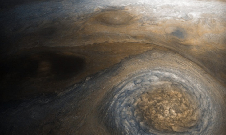 Monster Storm Churns Near Jupiter`s North Pole (Photo)