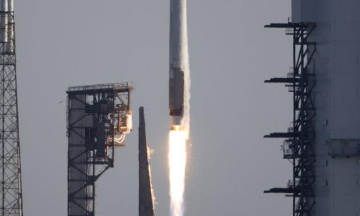NASA`s Newest Tracking & Data Relay Satellite Sails into Orbit...