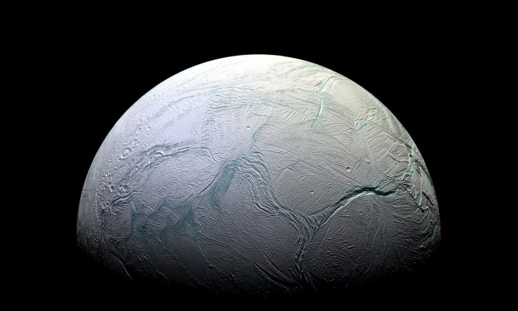 Privately Funded Team May Launch Life-Hunting Mission to Saturn Moon Enceladus