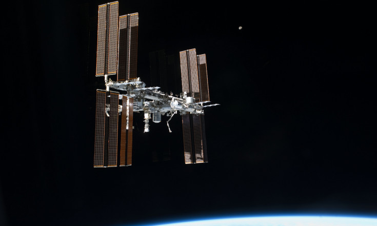 Report calls for ISS research transition plan and use of alternative platforms - SpaceNews.com