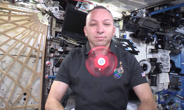 Space Spinner! Astronaut Shows What Fidget Spinners Do in Orbit