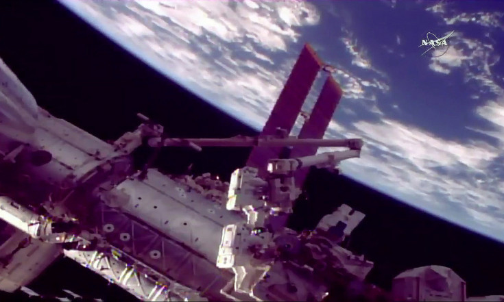 Spacewalking Astronauts Shrug Off Glitch During Repair Job on Space Station