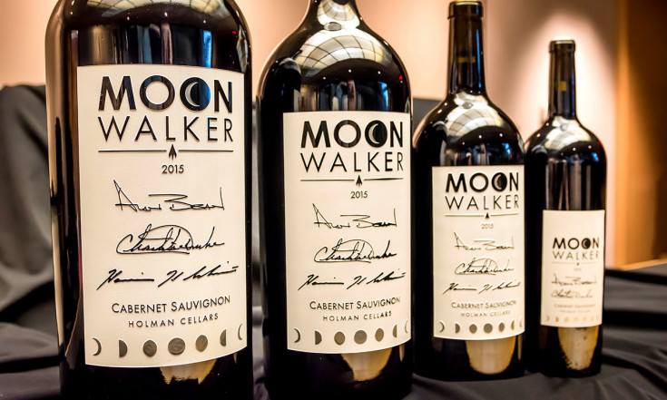 `Spirit` of Apollo: Museum launches sale of astronaut-signed `Moonwalker` wine | collectSPACE