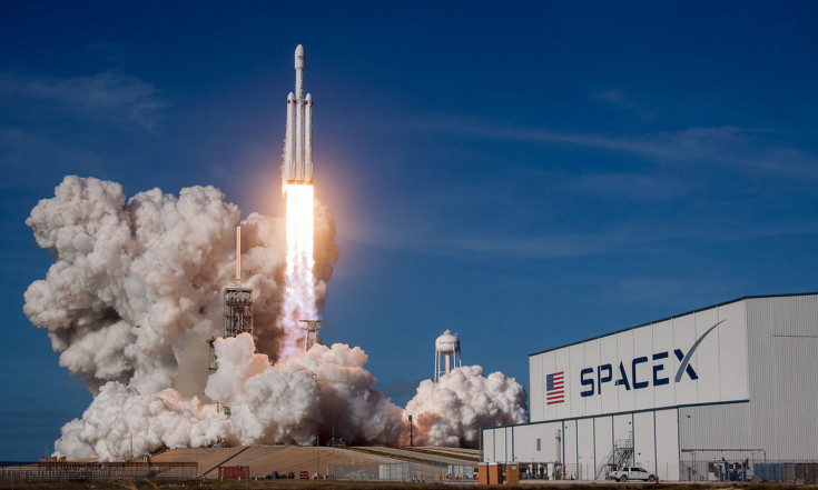 Success! SpaceX Launches Falcon Heavy Rocket on Historic Maiden Voyage