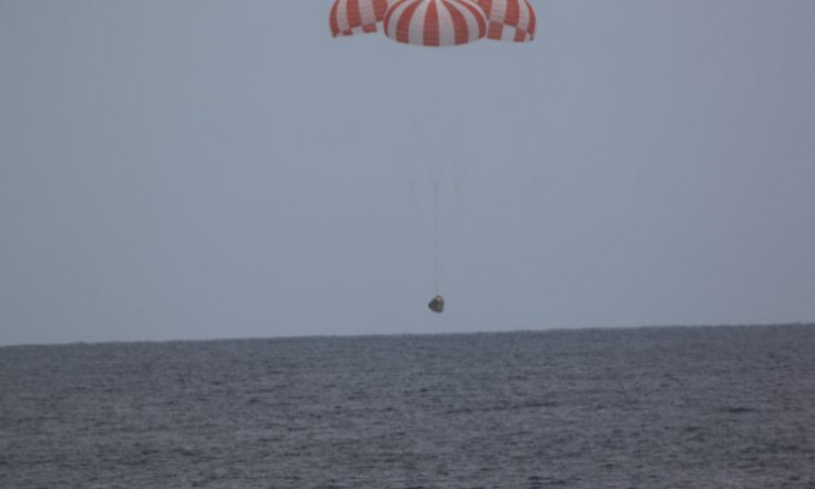 Twice-Flown Dragon Cargo Spacecraft Splashes Down – Dragon SpX-13 | Spaceflight101