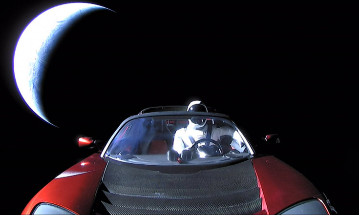 Watch Starman`s Entire Deep-Space Ride on Elon Musk`s Roadster in Just 80 Seconds