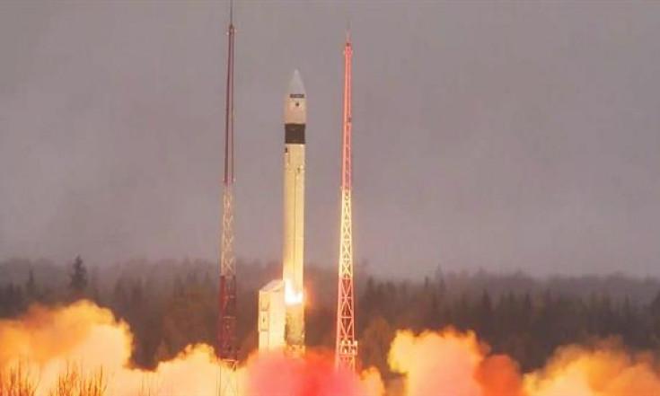 Wächter unserer Atmosphäre: Umweltsatellit Sentinel-5P ist im All